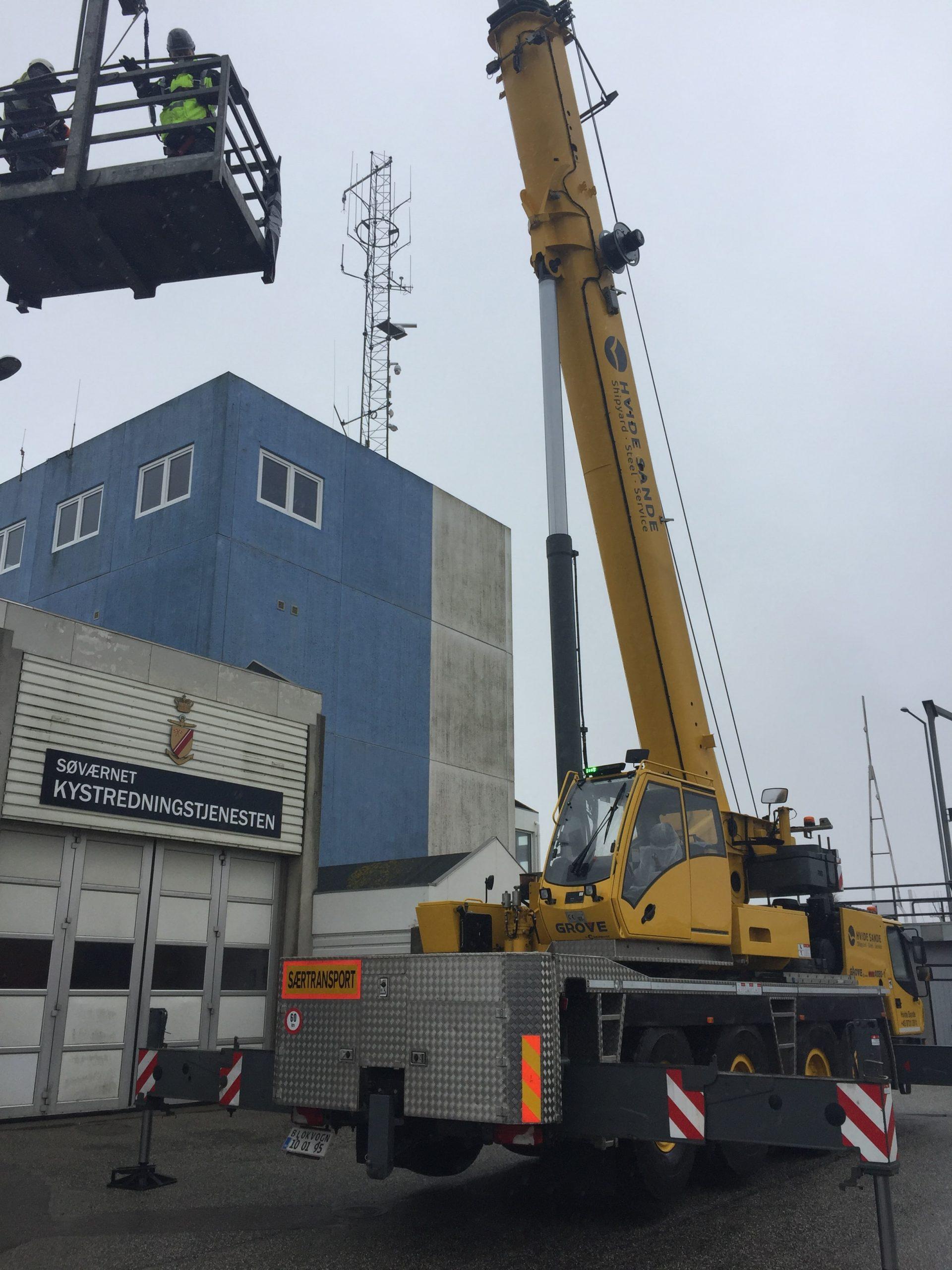 Installation der GNSS-Referenzstation in Hvide Sande