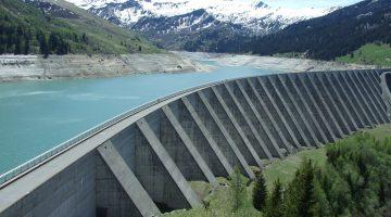 Ein Geomonitoring-System kann auch bei großen Bauwerken wie einem Staudamm Anwendung finden.