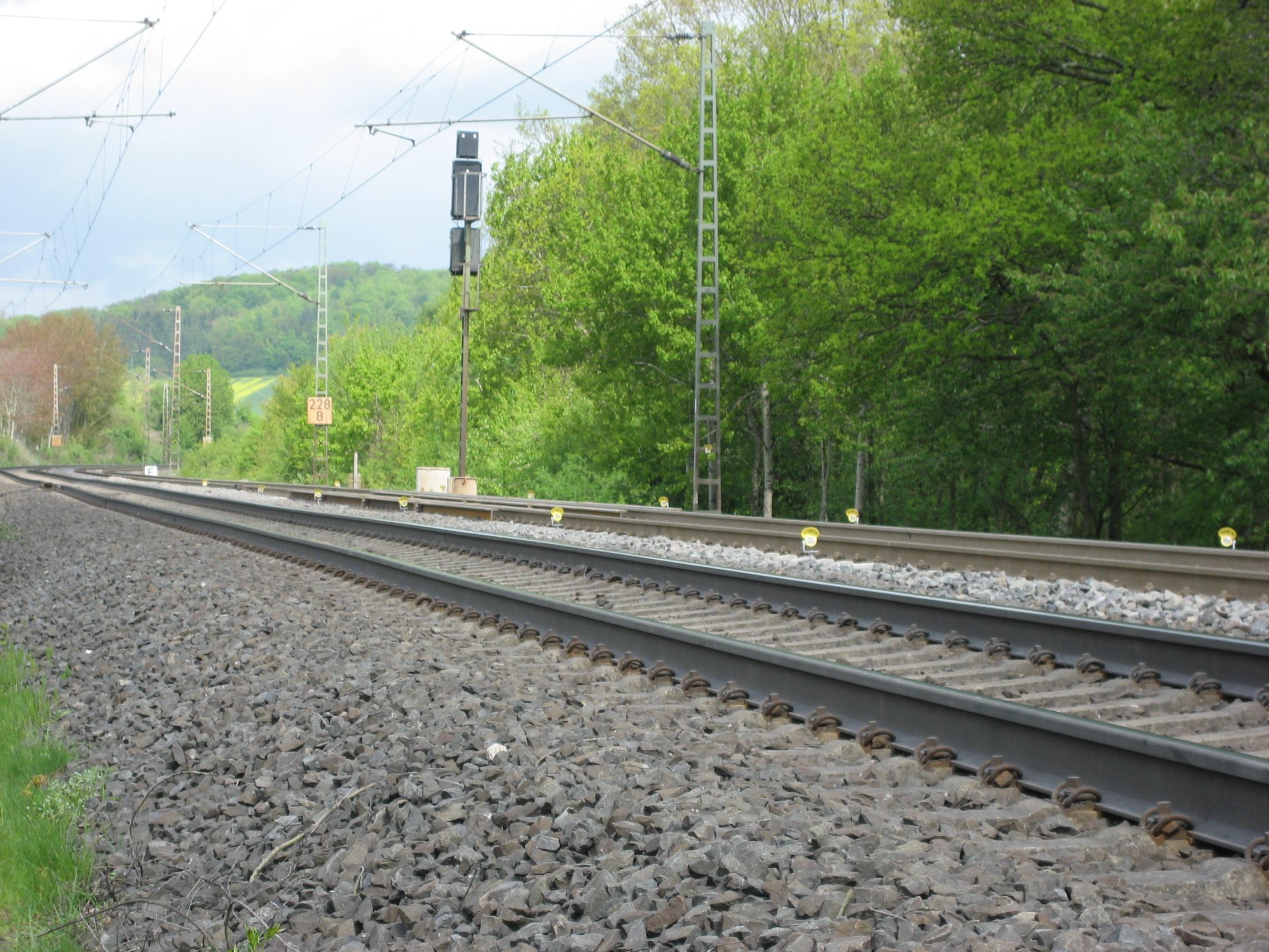 Sicherung während einer Dammertüchtigung in Hessen